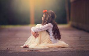 Sad cute little girl ppt background picture