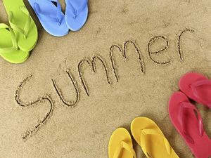 Summer beach sand on the color slippers ppt background